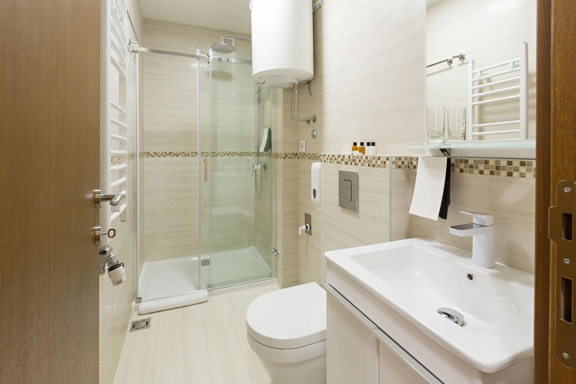 Otel Tipi Banyo Ekipmanları